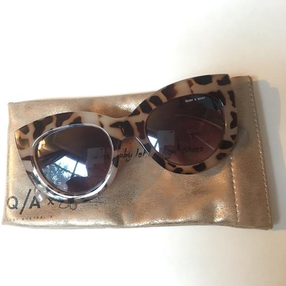 89ffada09db Quay x Shay Mitchell Jinx Sunglasses. M 5a5aaf9e72ea8853e2ebdffe